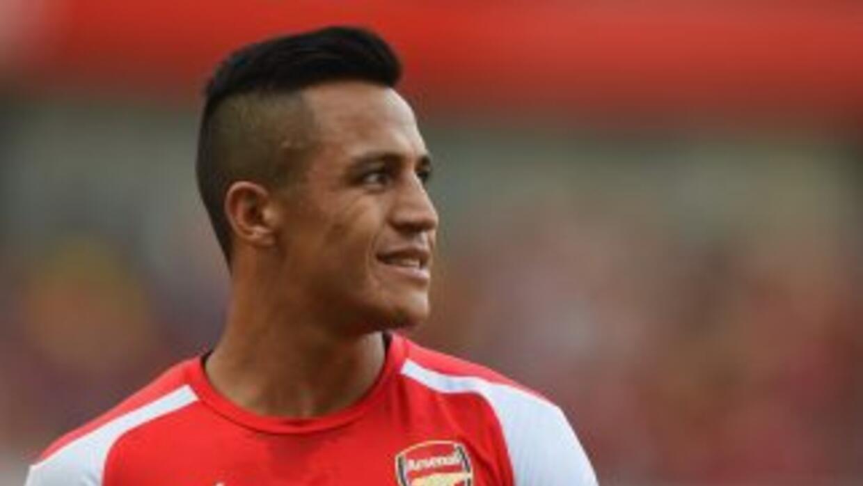 Alexis Sánchez ya se volvió ídolo en Inglaterra.
