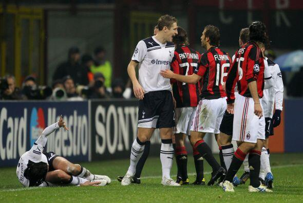 Pero lo que más se vio fue un juego ríspido por parte de ambos clubes.