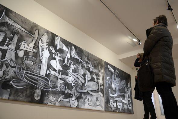 Roberto Matta  (Nació en Chile en 1911)  Es uno de los pintores Chilen...