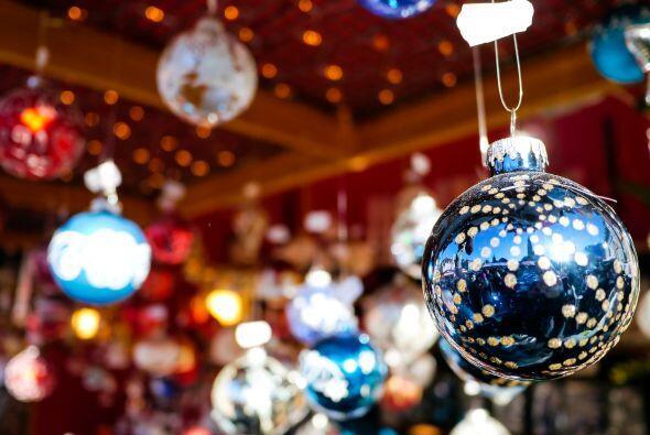 Adornos cálidos para tu árbol de navidad