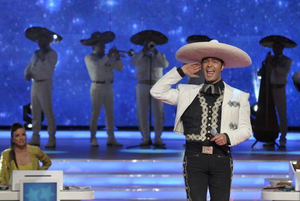 Y el gran talento también estuvo acompañado de mariachi.