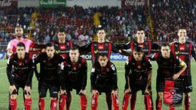 Alajuelense derrotó a U de Costa Rica y llegó a nueve unidades.