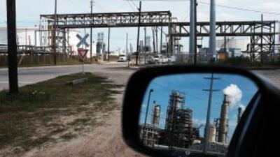 Una refinería de petróleo en Houston, Texas.