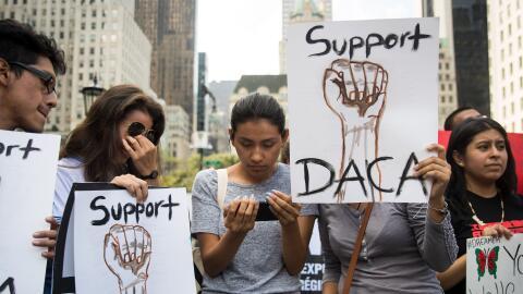 Manifestantes a favor de DACA.