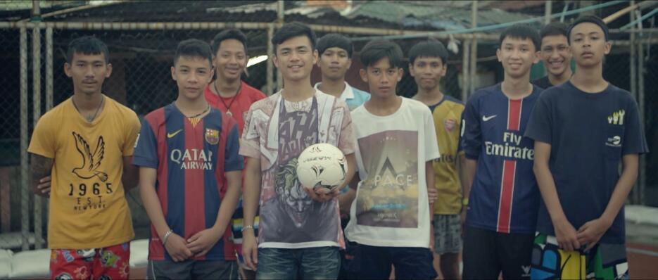 Las extrañas canchas de fútbol en Bangkok ap_25.jpg
