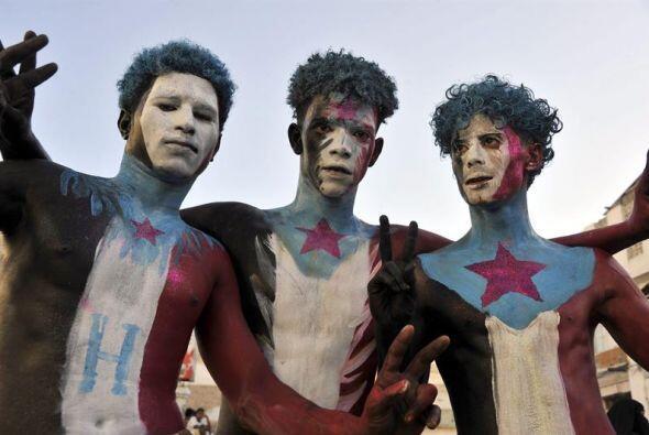 Manifestantes pro separatismo yemeníes con los colores de la antigua Rep...