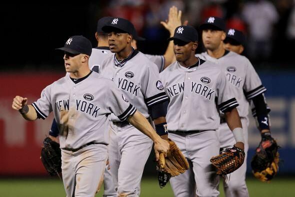 Los Yankees se llevaron la ventaja temprana 1-0 en la serie, aumentando...