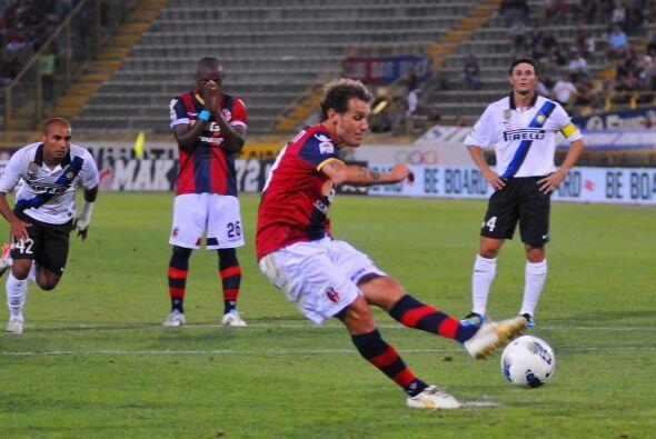 Alessandro Diamanti aprovechó un tiro penal y marcó el empate parcial.