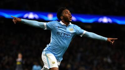 Sterling guía al City a los octavos de final