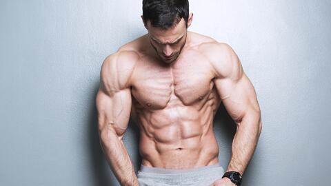 ¿Es posible tener un cuerpo musculoso sin esteroides?