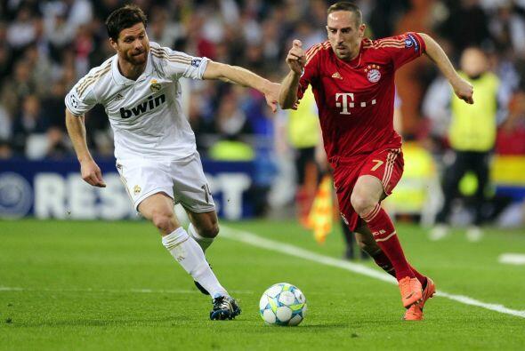 Xabi Alonso corrió por toda la cancha a Ribery y jugó un partido impresi...