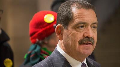 Inmigrante mexicano podría ser electo alcalde de Chicago