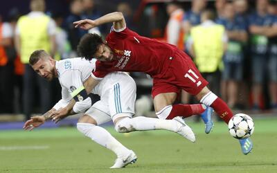 Esta es la acción entre Sergio Ramos y Mohamed Salah donde el egi...