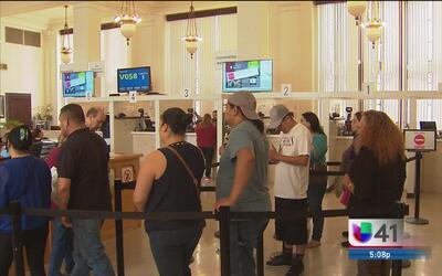 El Consulado de México en San Antonio invita a padres de familia a trami...