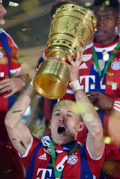 Robben también fue campeón con Bayern Munich de la copa DFB Pokal y del...