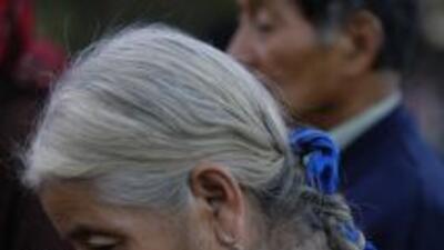 Decenas de ancianos guatemaltecos demandan recursos para los refugios en...