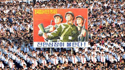 """En fotos: El desfile que rechaza la amenaza de EEUU de """"fuego y furia"""" en la capital de Corea del Norte"""