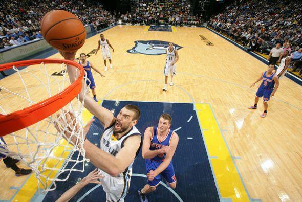 5 de Enero - Knicks (5-32) pierden 83 - 105 con Grizzlies (25-9). Mike C...