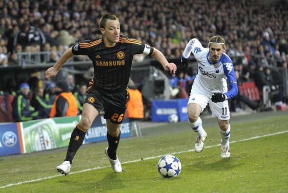 Chelsea no tenía mayor oposición de los locales y dominaba a plenitud.