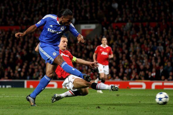 Pero la esperanza regresó con el gol de Didier Drogba que empataba los c...