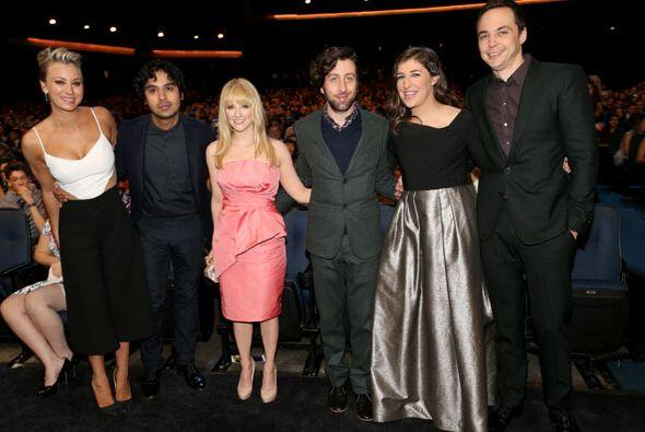 Todo el elenco de 'The Big Bang Theory' en el público.