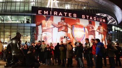 La afición del Arsenal vivió una fiesta en la tercera ronda de la FA Cup...