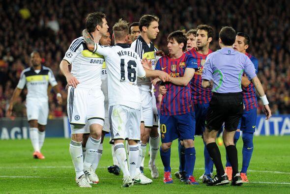 Lampard protestó y volvieron los empujones