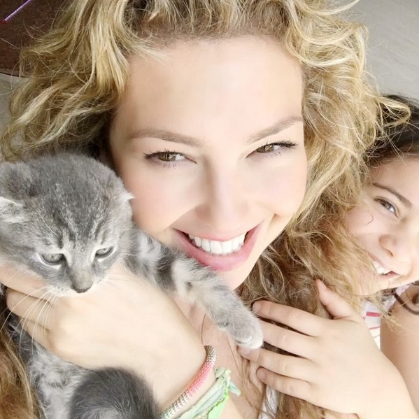 Thalía es la mamá más feliz y dedicada