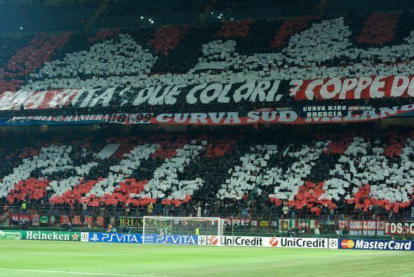 El estadio Giuseppe Meazza, inmueble histórico en Italia, recibió el pri...