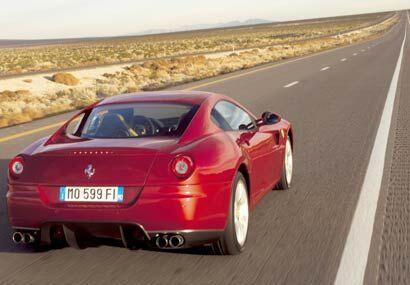 El 599 pone un nuevo estándar en términos de deportividad, diseño y cond...
