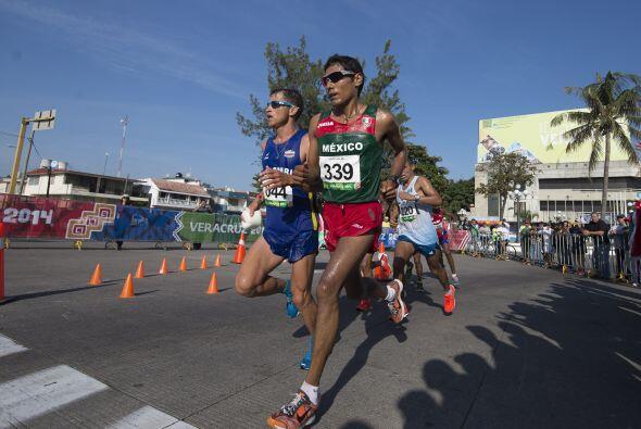 La delegación mexicana también se colocó en el podio de la maratón varon...