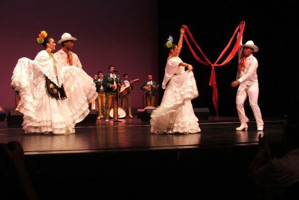 Este ballet dirigido por Isidro Salas se ha presentado en teatros de Méx...