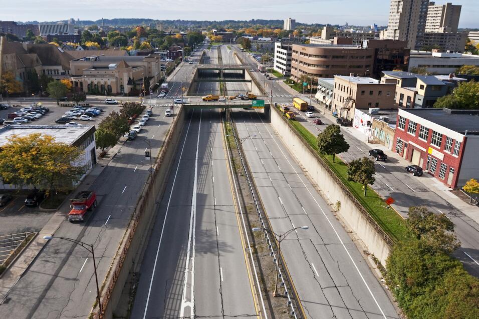 El Inner Loop en Rochester, estado de Nueva York. Su construcción motivó...