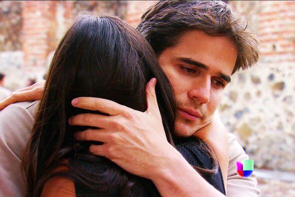 No te preocupes Esmeralda, Pablo jamás te dejará por ella. Él te ama con...