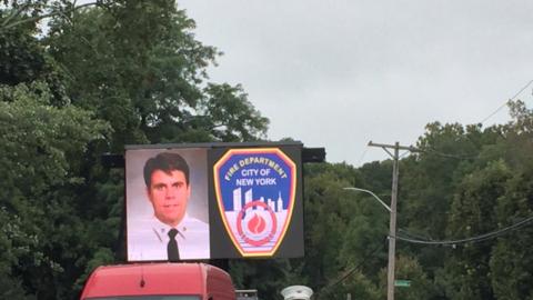El capitán de bomberos Michael Fahy murió el martes, luego...