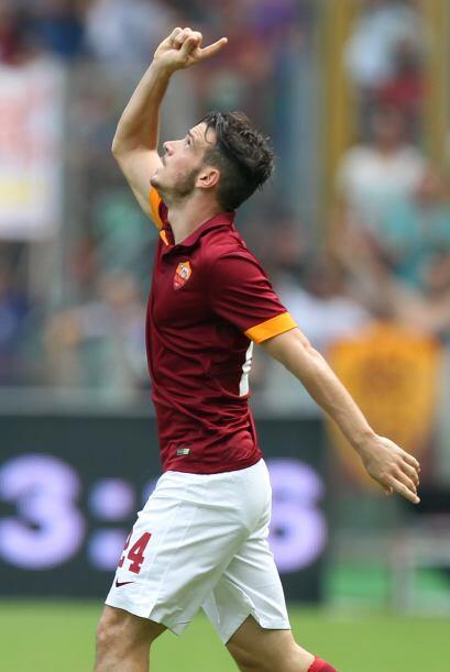 Alessandro Florenzi fue amonestado en el juego luego de subir a las grad...