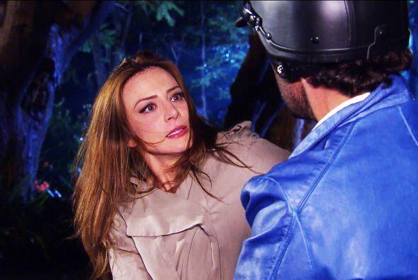 Pero no te espantes Ana, no es un ladrón. Te vas a quedar helada cuando...