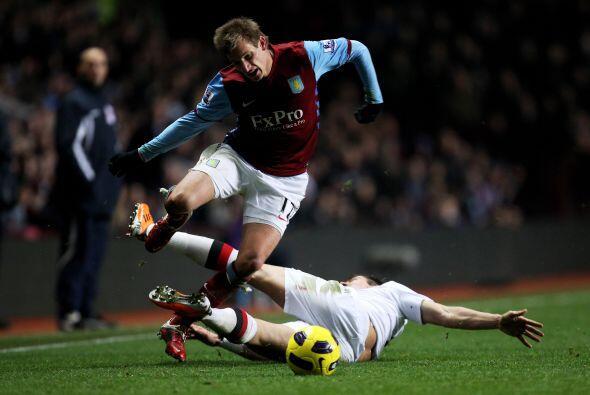 Manchester City cayó ante el Aston Villa por 1 a 0 y perdió la punta del...