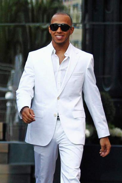 Lewis Hamilton parecía un modelo de pasarela en lugar de un piloto de Fó...