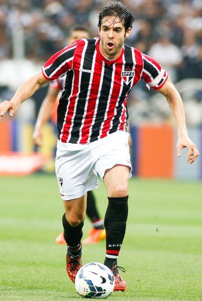KAKÁ  - SAO PAULO  El Manchester City pretendió al volante brasileño en...