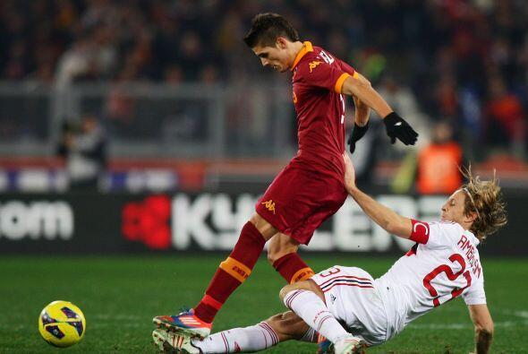 El habilidoso albiceleste no tuvo piedad con el Milan.