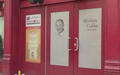 En una emotiva ceremonia, amigos y familiares de Miriam Colón le dieron...
