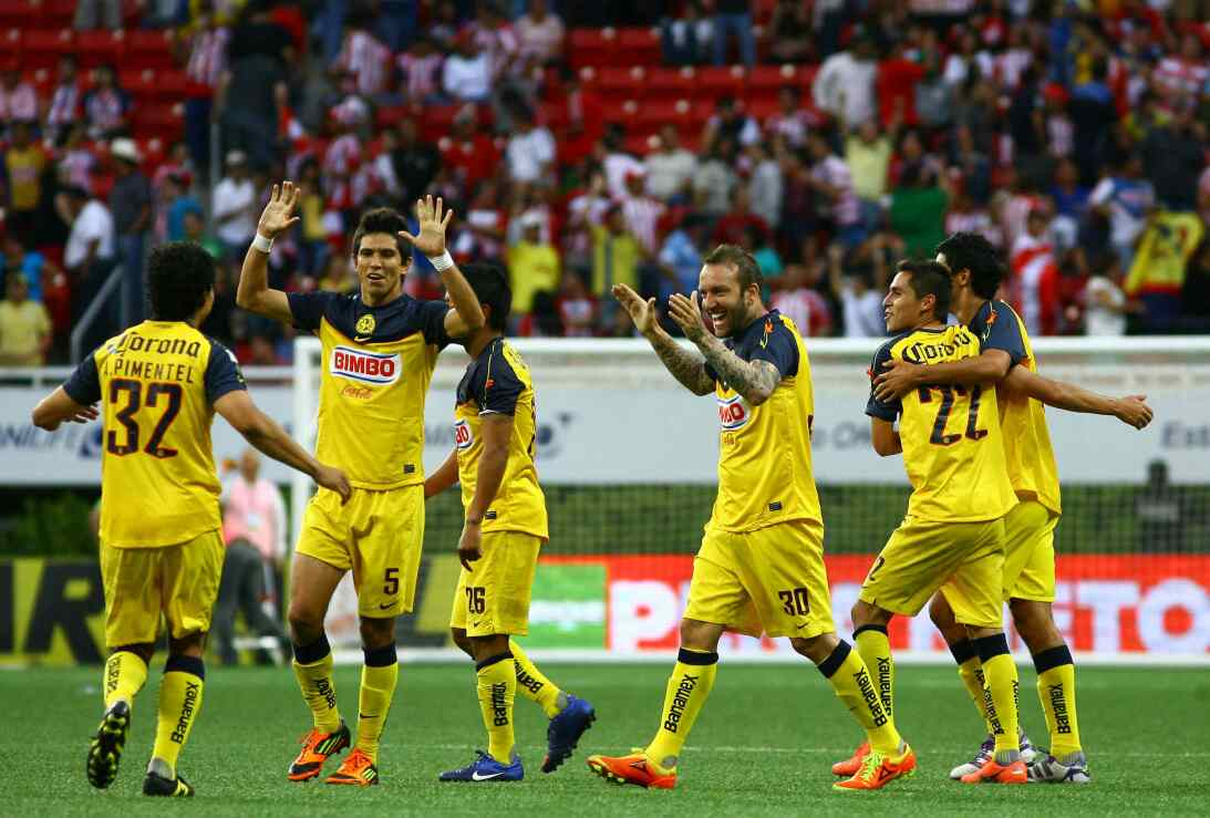 Miguel Herrera, ganador en el Clásico Nacional con América 20120408-1703...
