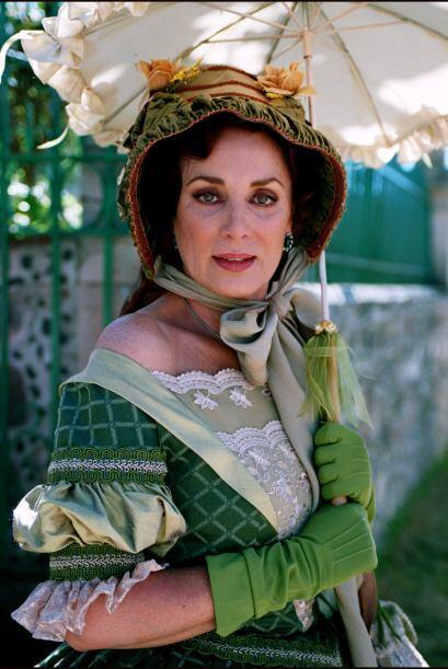 Helena Rojo es Augusta Curiel de Peñalver. Es la madre de Matilde y Humb...