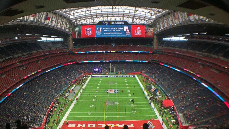 El NRG Stadium abrió sus puertas para recibir a los aficionados e...