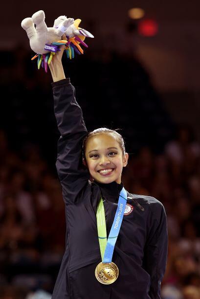 Dos de las medallas doradas fueron conseguidas por Laura Zeng, quien se...