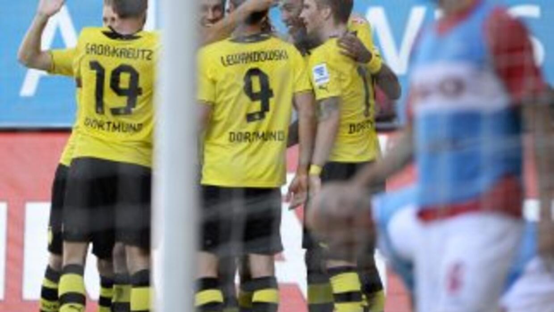 Borussia Dortmund comenz'o la temporada con goleada.