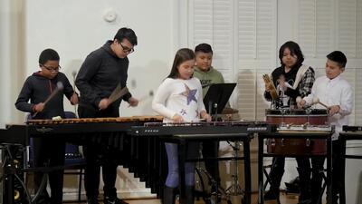 Educación musical para las familias de bajos recursos