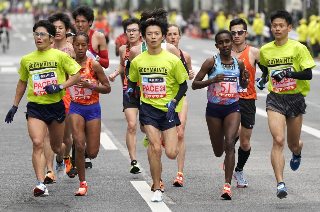 Bob Esponja, Batman, Sailor Moon y Pikachu, en el colorido del Maratón d...