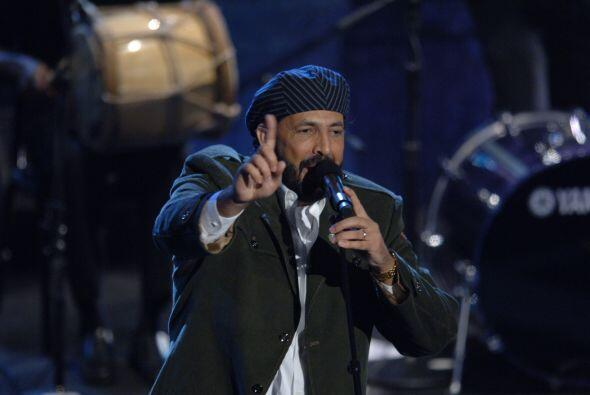 13. En 2005 Juan Luis Guerra ganó en la categoría Mejor Álbum Cristiano...